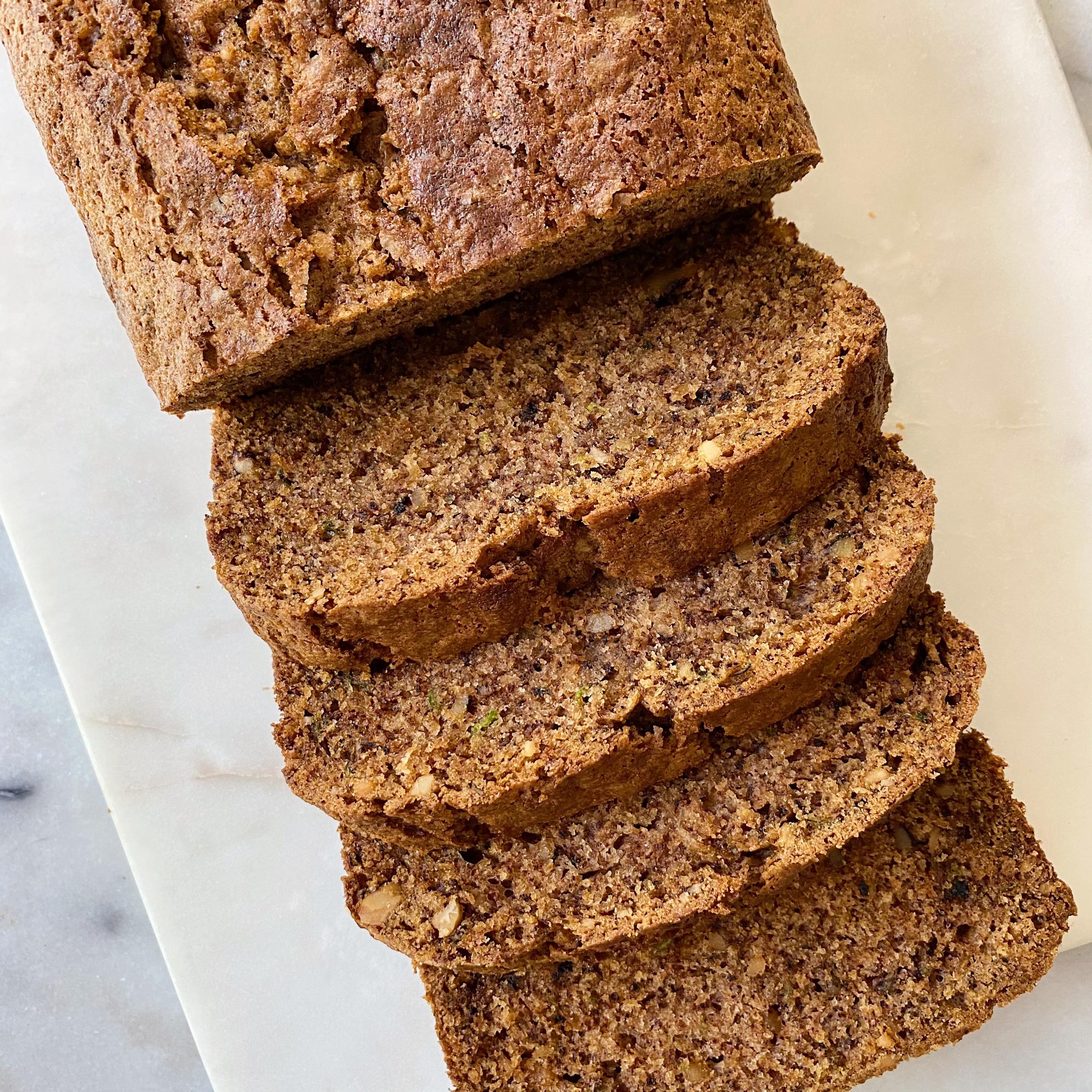 Best gluten-Free Zucchini Bread easy recipe www.healthygffamily.com