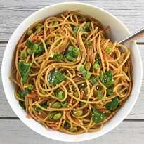 gluten free easy asian noodles #glutenfree #glutenfreerecipes www.healthygffamily.com