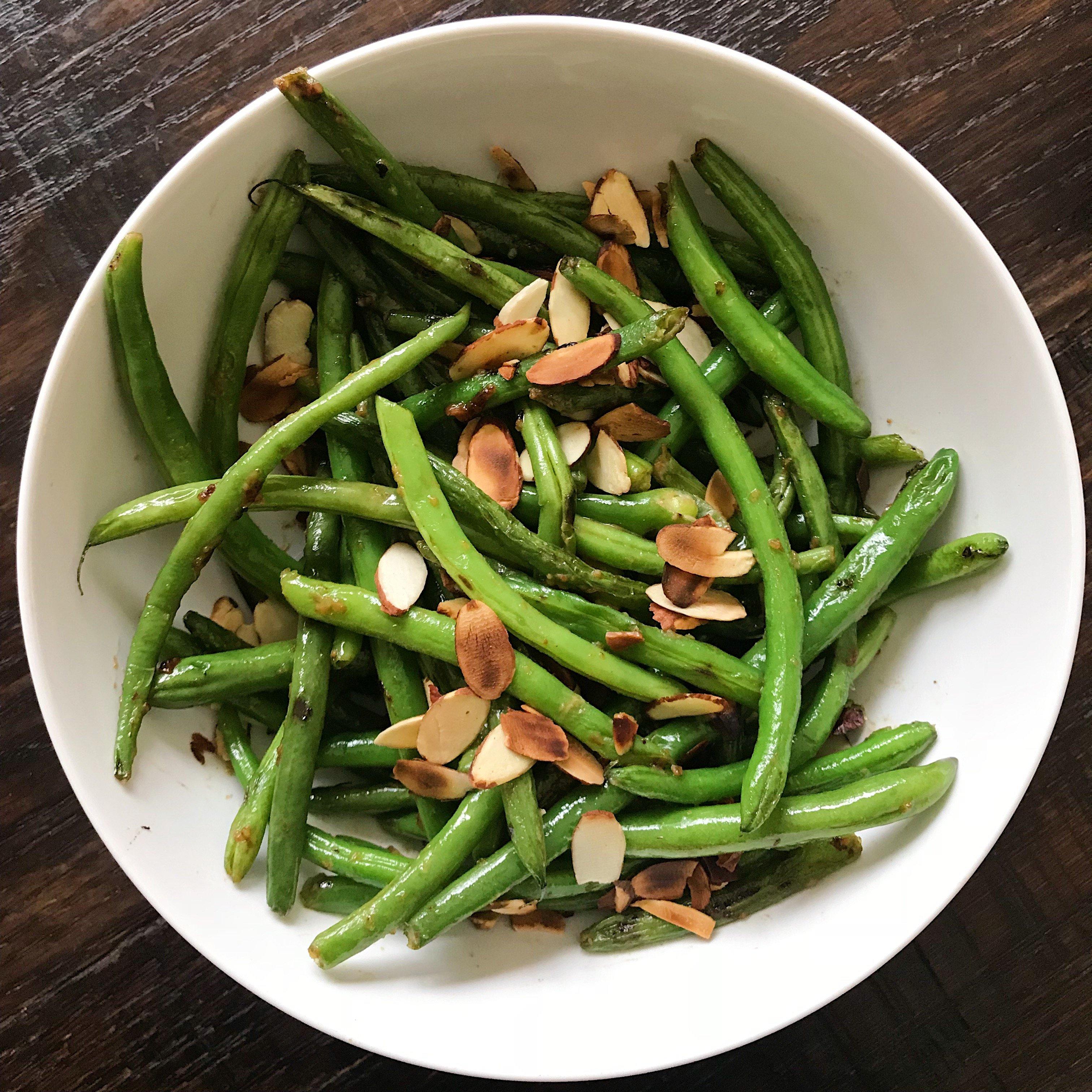 gluten free crispy miso green beans #glutenfreerecipes www.healthygffamily.com