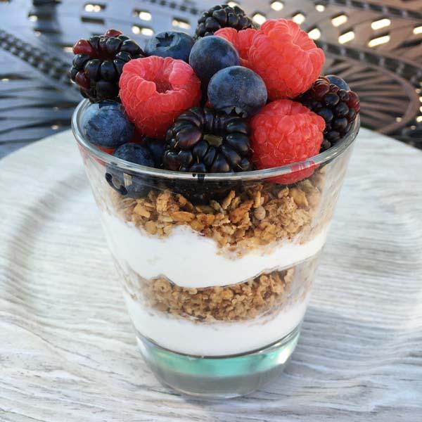 granola yogurt parfait gluten free #glutenfreerecipes www.healthygffamily.com