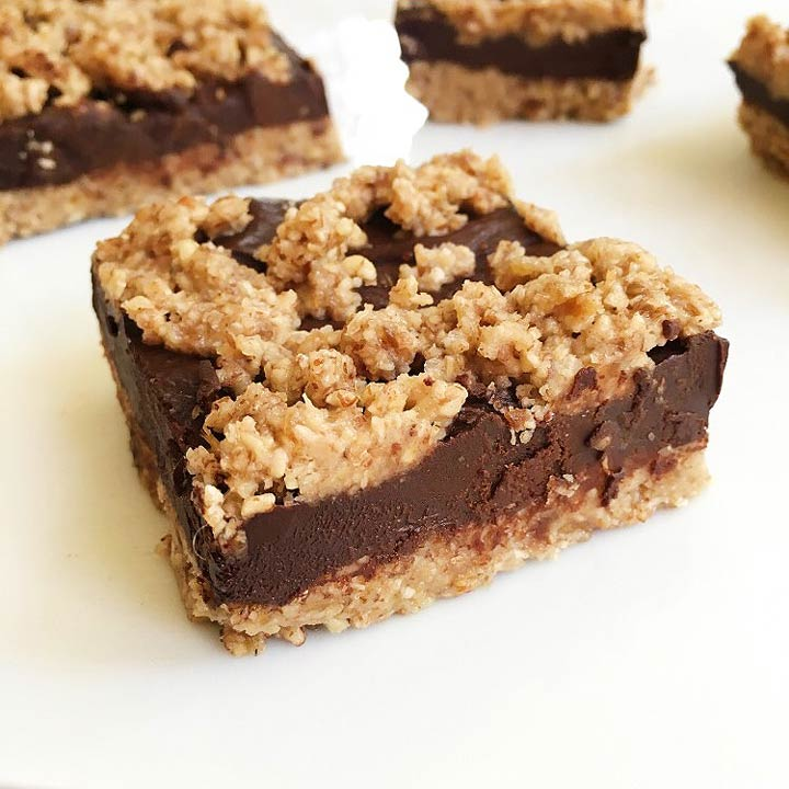 raw chocolate snack bars