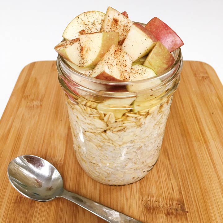 Apple Cinnamon Overnight Oats gluten-free #glutenfreerecipes www.healthygffamily.com