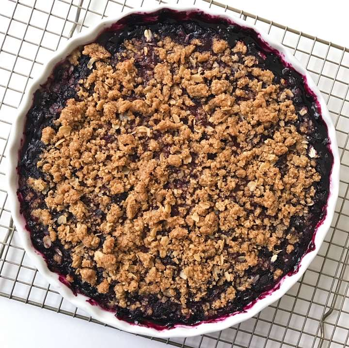 gluten free blueberry crumble #glutenfreefrecipes www.healthygffamily.com