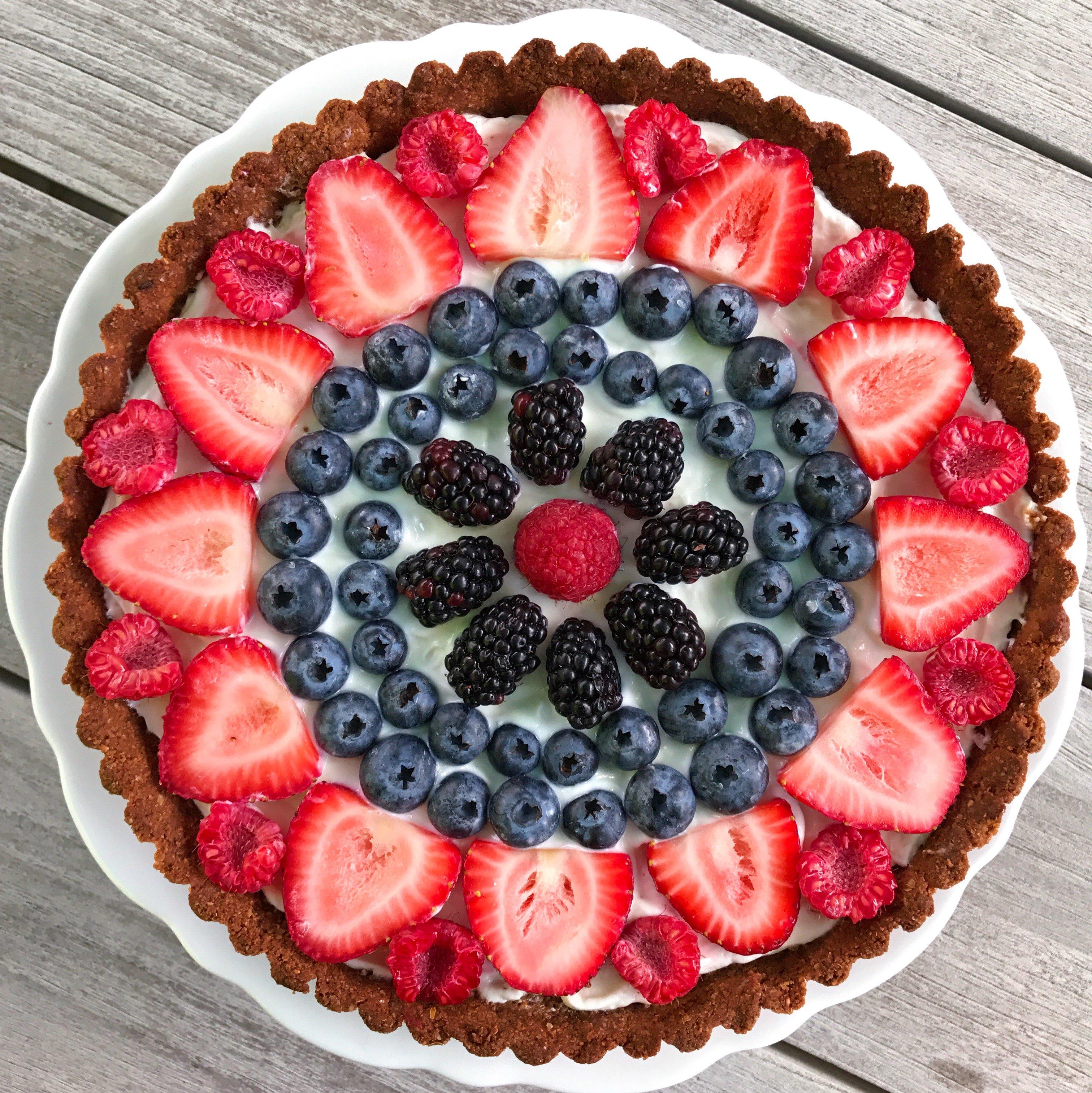 Summery Berry Tart gluten-free #glutenfreeerecipes www.healthygffamily.com