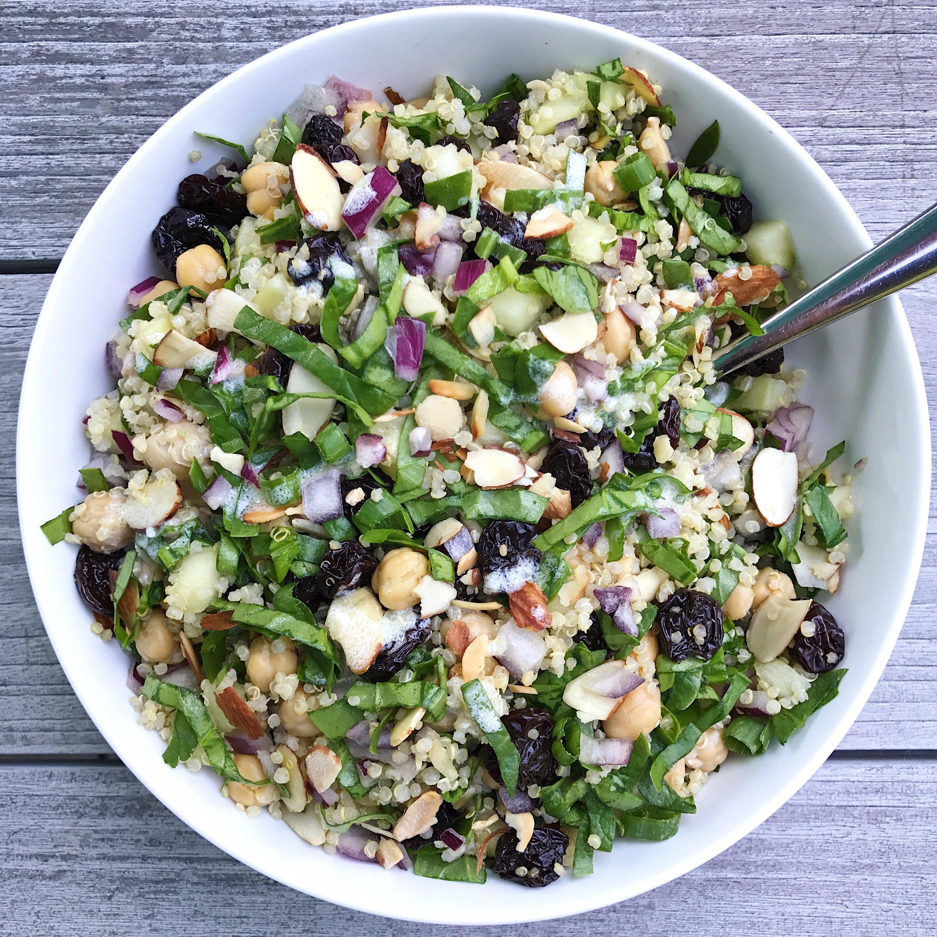 spinach quinoa salad gluten free #glutenfreerecipes www.healthygffamily.com