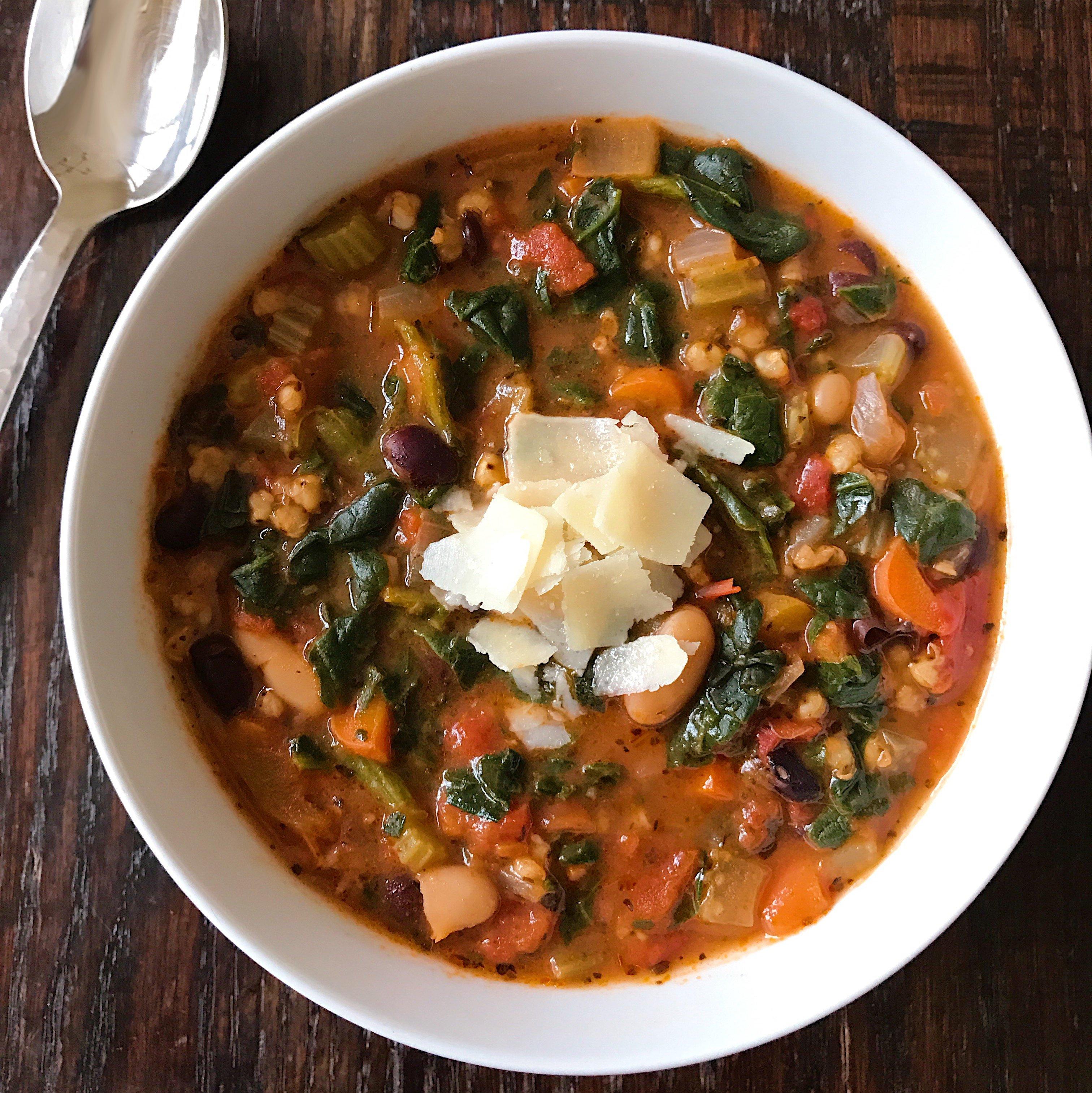 gluten free hearty veggie bean soup #glutenfree www.healthygffamily.com