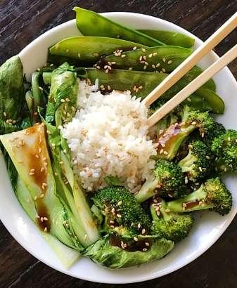 Veggies in gluten free garlic sauce #glutenfree #glutenfreerecipes www.healthygffamily.com