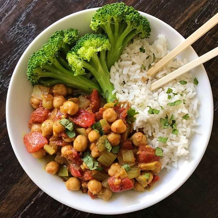 Easy Chana Masala gluten free #glutenfreerecipes www.healthygffamily.com