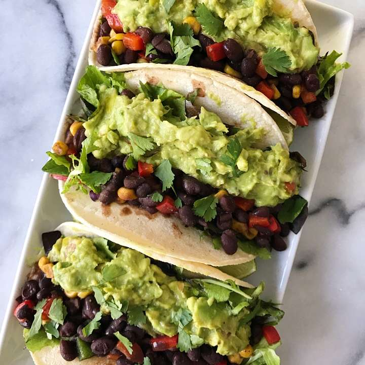 black bean guacamole tacos gluten free #glutenfreerecipes www.healthygffamily.com
