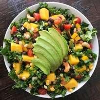 kale salad black beans mango gluten free #glutenfreerecipes www.healthygffamily
