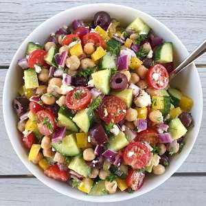 Greek Chickpea Salad gluten free #glutenfreerecipes www.healthygffamily.com