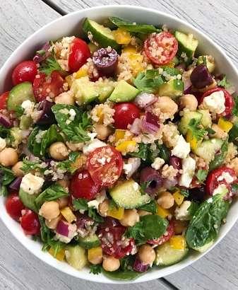 Greek Chickpea Salad #glutenfree #glutenfreerecipes www.healthygffamily.com