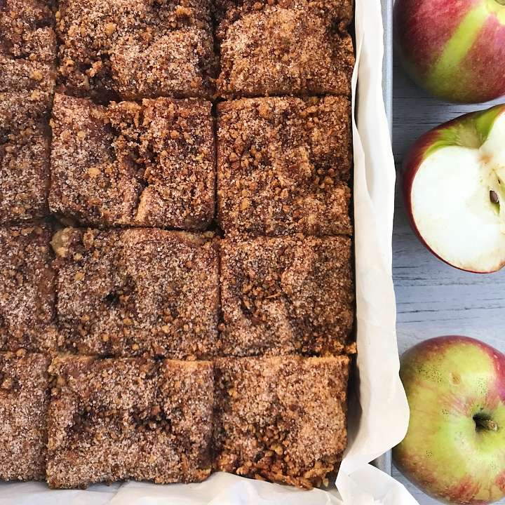 gluten free apple coffee cake #glutenfree #glutenfreerecipes www.healthygffamily.com