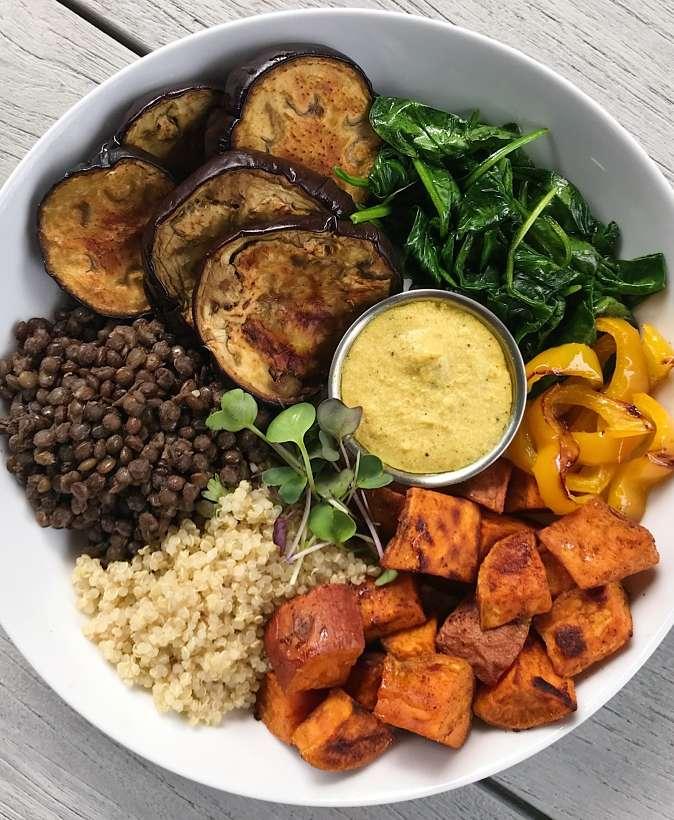 roasted veggie lentil bowl cashew cream curry sauce #glutenfree #glutenfreerecipes www.healthygffamily.com