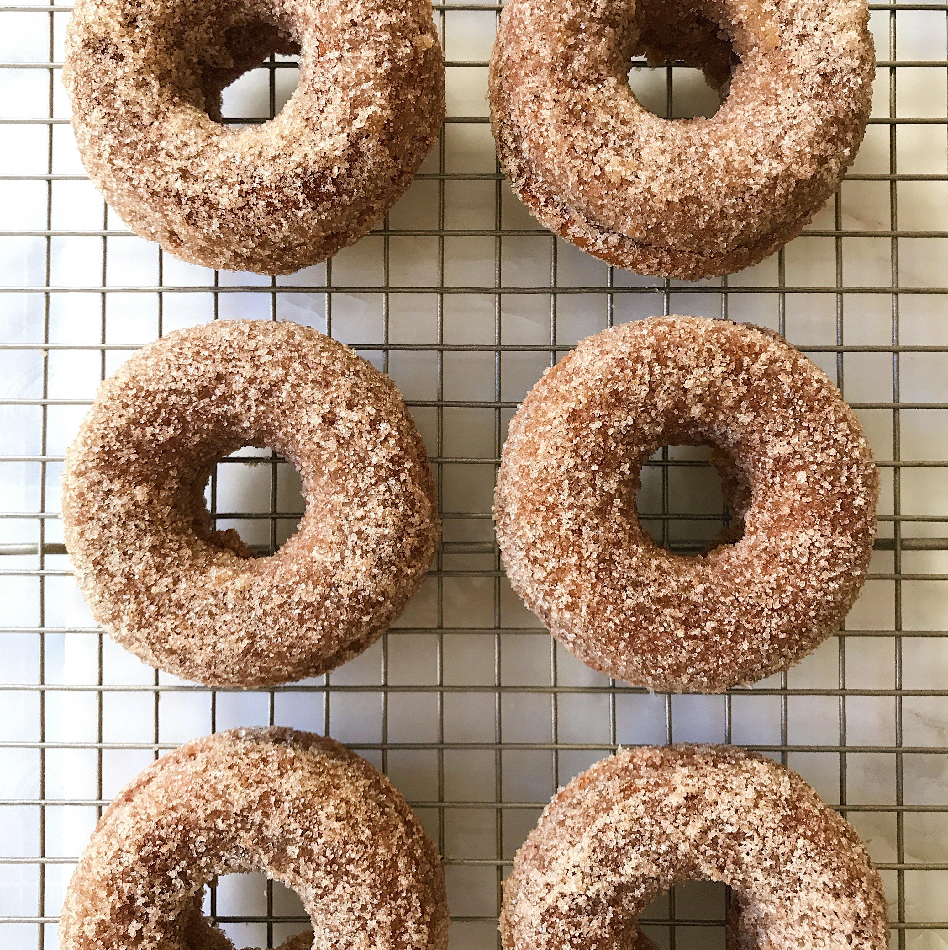 gluten free baked pumpkin donuts #glutenfree #glutenfreerecipes www.healthygffamily.com
