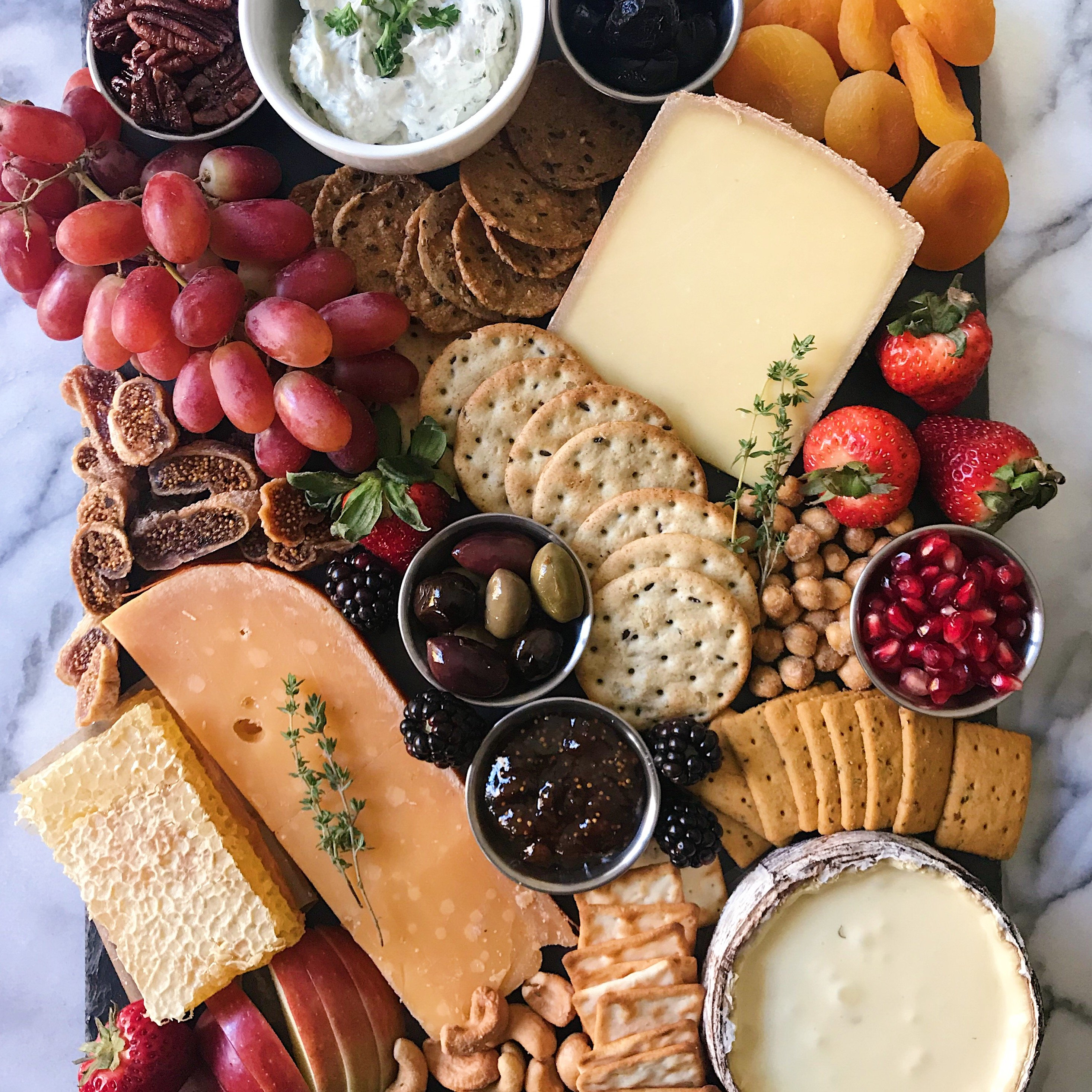 gluten free Holiday Cheese Board how to make one #glutenfreerecipes www.healthygffamily.com