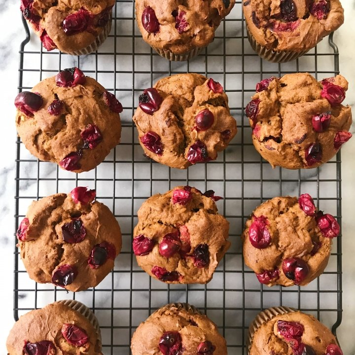 Giuten free pumpkin cranberry muffins #glutenfreerecipes www.healthygffamily.com
