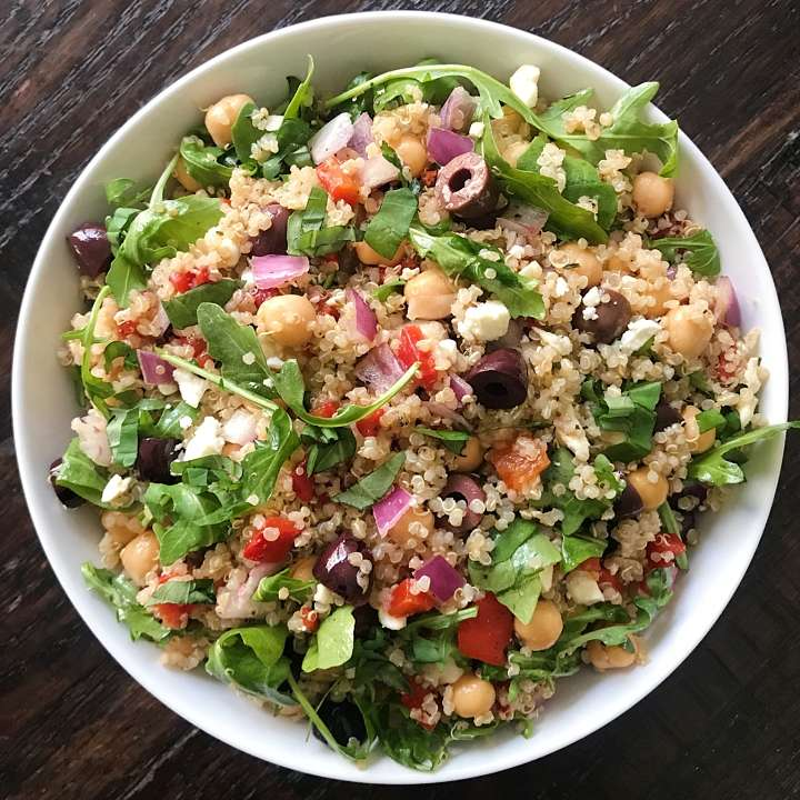 Mediterranean Quinoa Salad gluten free #glutenfreerecipes www.heaalthygffamily.com