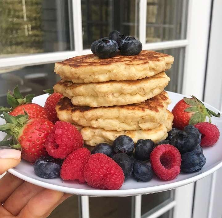 fluffy gluten free oatmeal pancakes www.healthygffamily.com #glutenfree #glutenfreerecipes