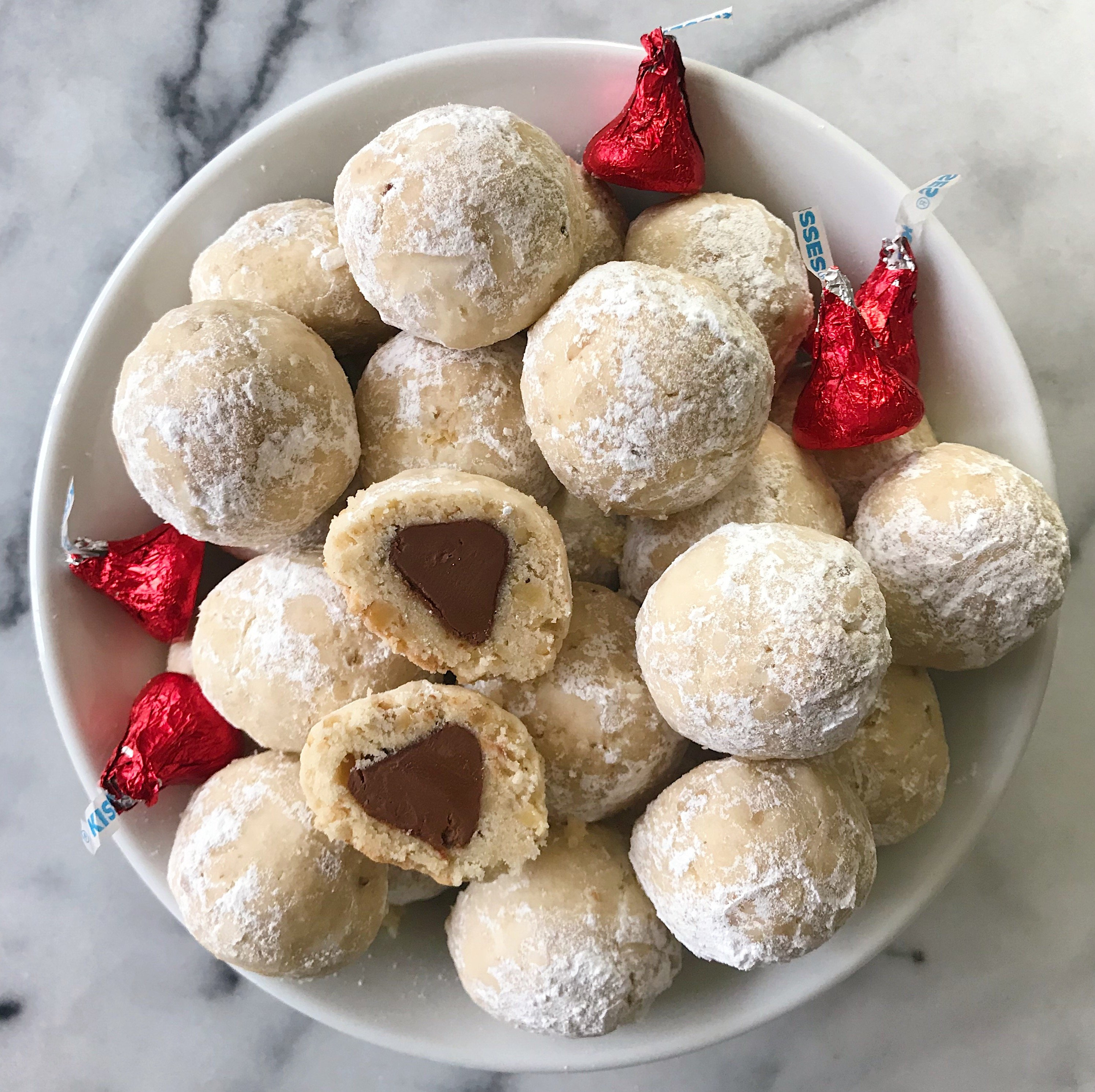 Hidden Chocolate Kiss Cookies gluten free christmas cookies #glutenfree #glutenfreerecipes www.healthygffamily.com