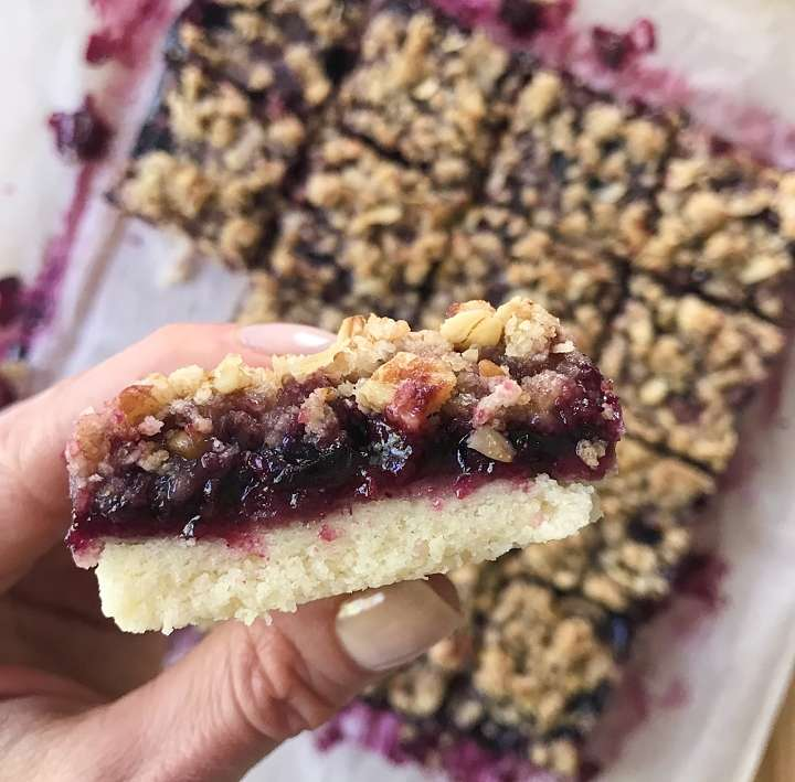Blueberry Crumble Bars gluten free #glutenfreerecipes www.healthygffamily.com