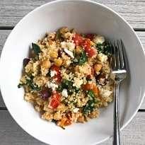 Easy mediterranean quinoa stir fry gluten free #glutenfreerecipes www.healthygffamily.com