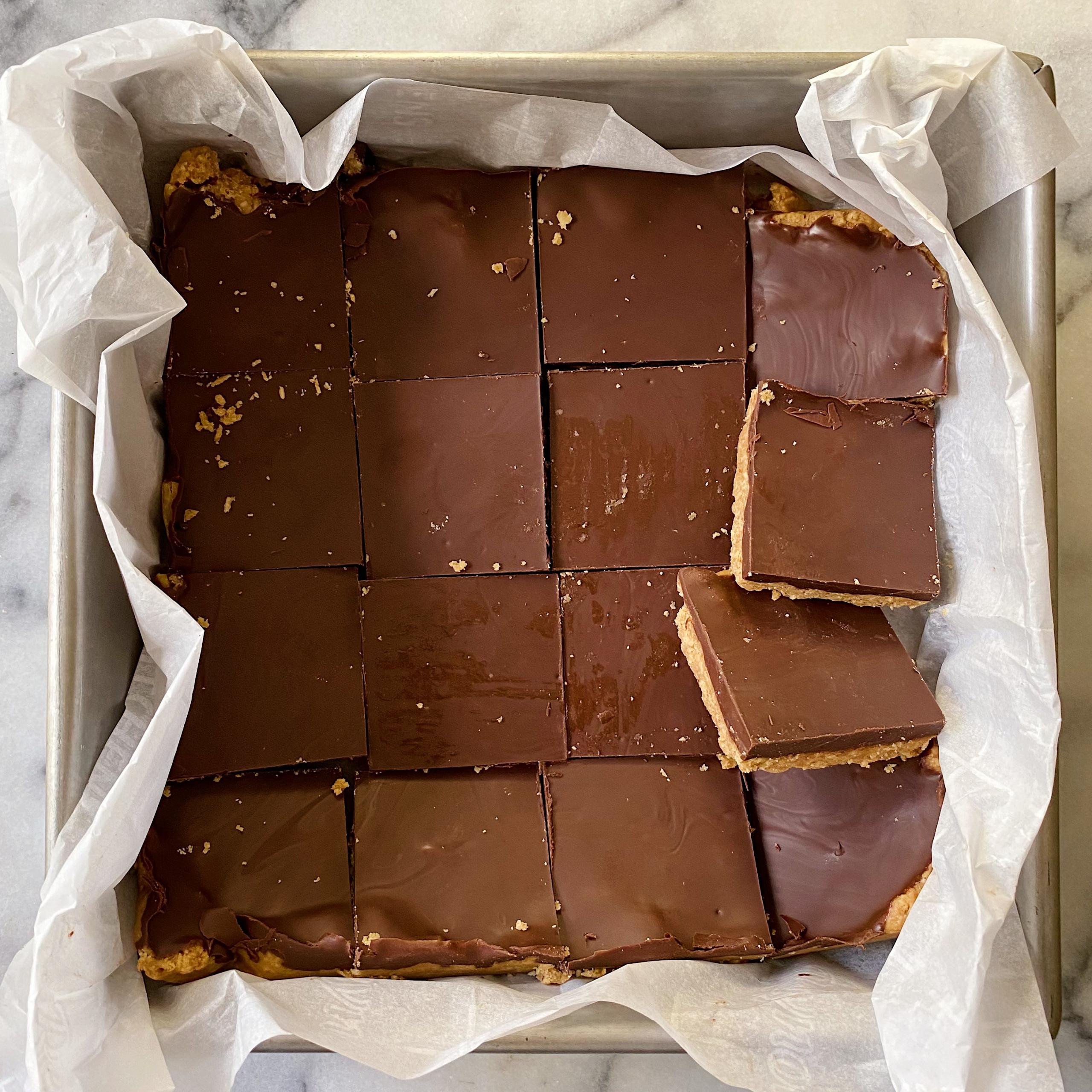 chocolate peanut butter no bake bars gluten free vegan #glutenfree www.healthygffamily.com