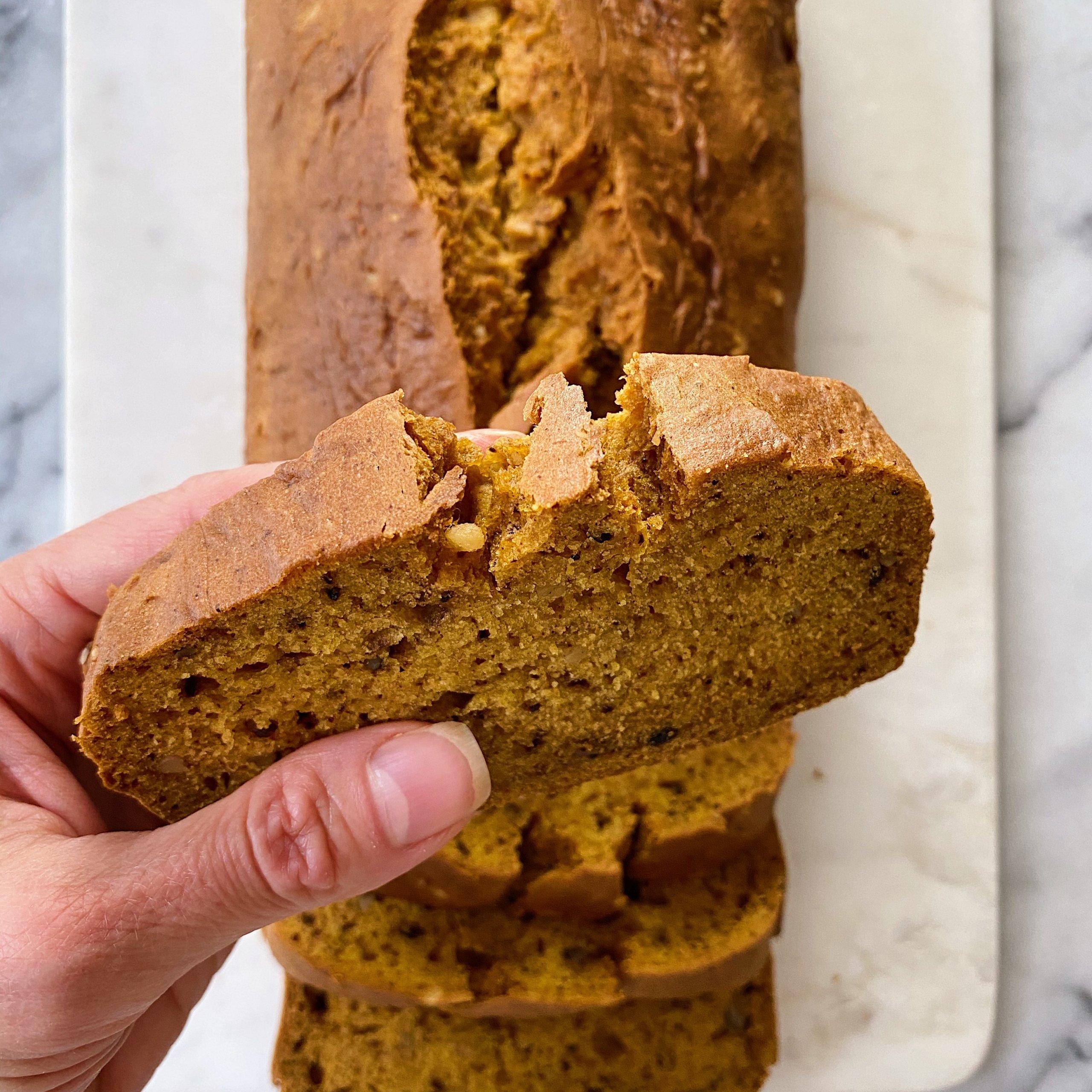 gluten free pumpkin bread #glutenfree #glutenfreerecipes www.healthygffamily.com