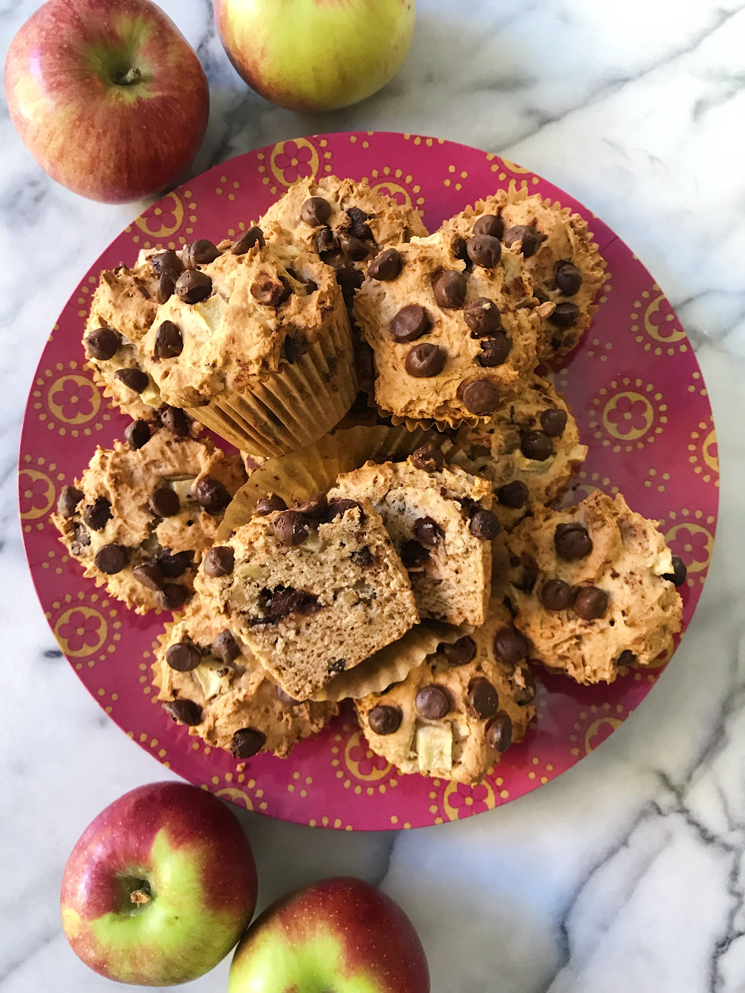 gluten free chocolate chip apple muffins #glutenfree #glutenfreerecipes www.healthygffamily.com