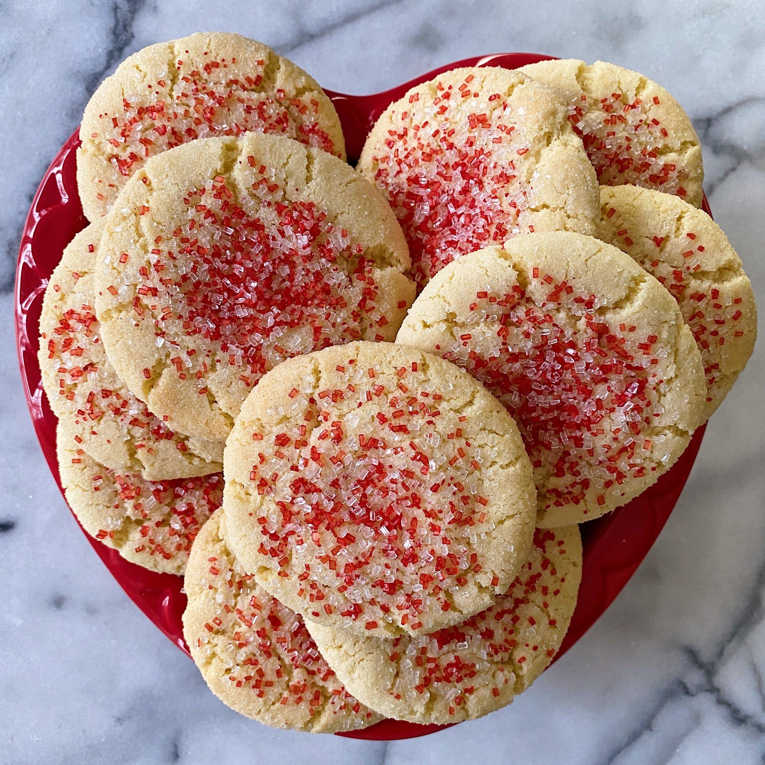gluten free sugar cookies #glutenfree #glutenfreerecipes www.healthygffamily.com