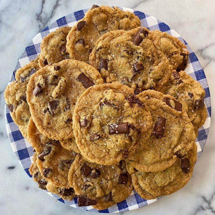 gluten free chocolate chip tahini cookie #glutenfree #glutenfreecookies #glutenfreerecipes www.healthygffamily.com