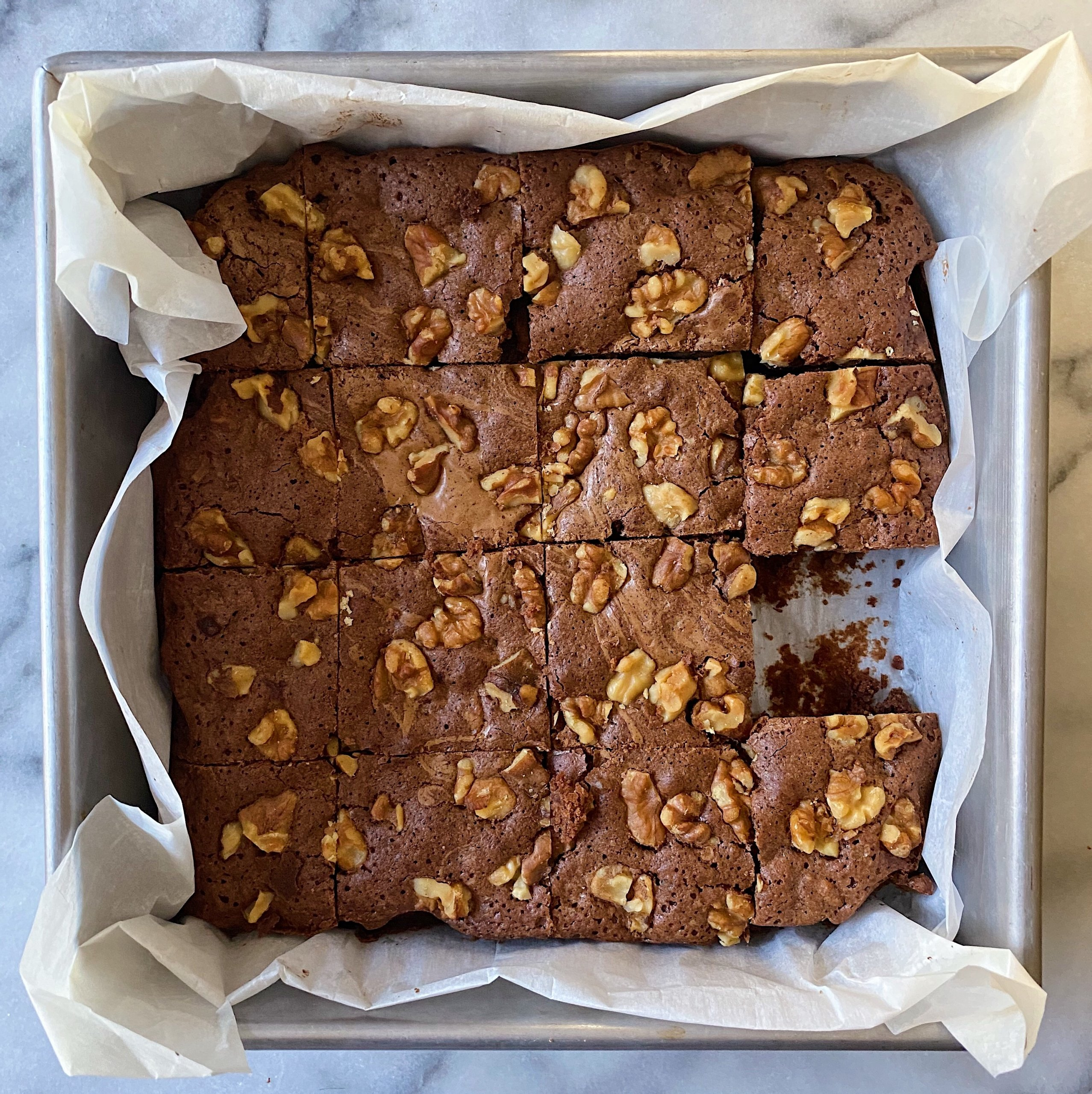 Chocolate walnut brownies gluten free #glutenfreerecipes www.healthygffamily.com