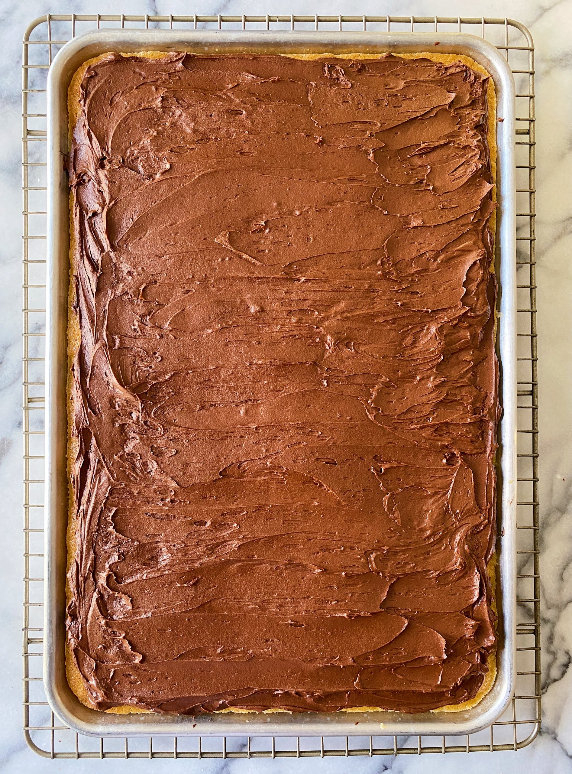 gluten free yellow sheet cake with chocolate frosting #glutenfreerecipes www.healthygffamily.com