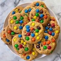 gluten free monster cookies #glutenfreerecipes www.healthygffamily.com