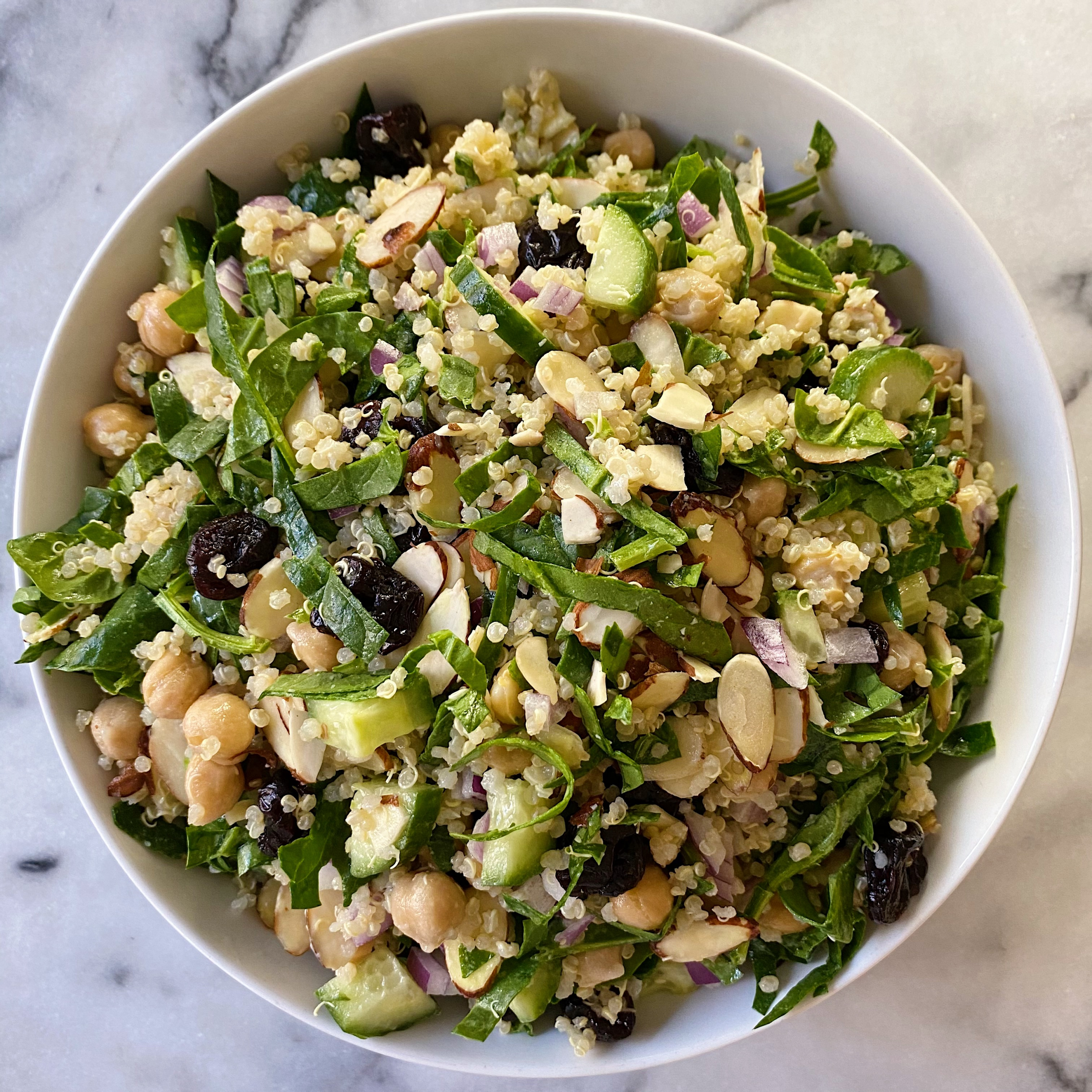 Simple spinach quiona salad easy recipe gluten free www.healthygffamily.com