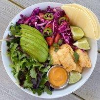 crispy fish taco bowls gluten free #glutenfreerecipes www.healthygffamily.com