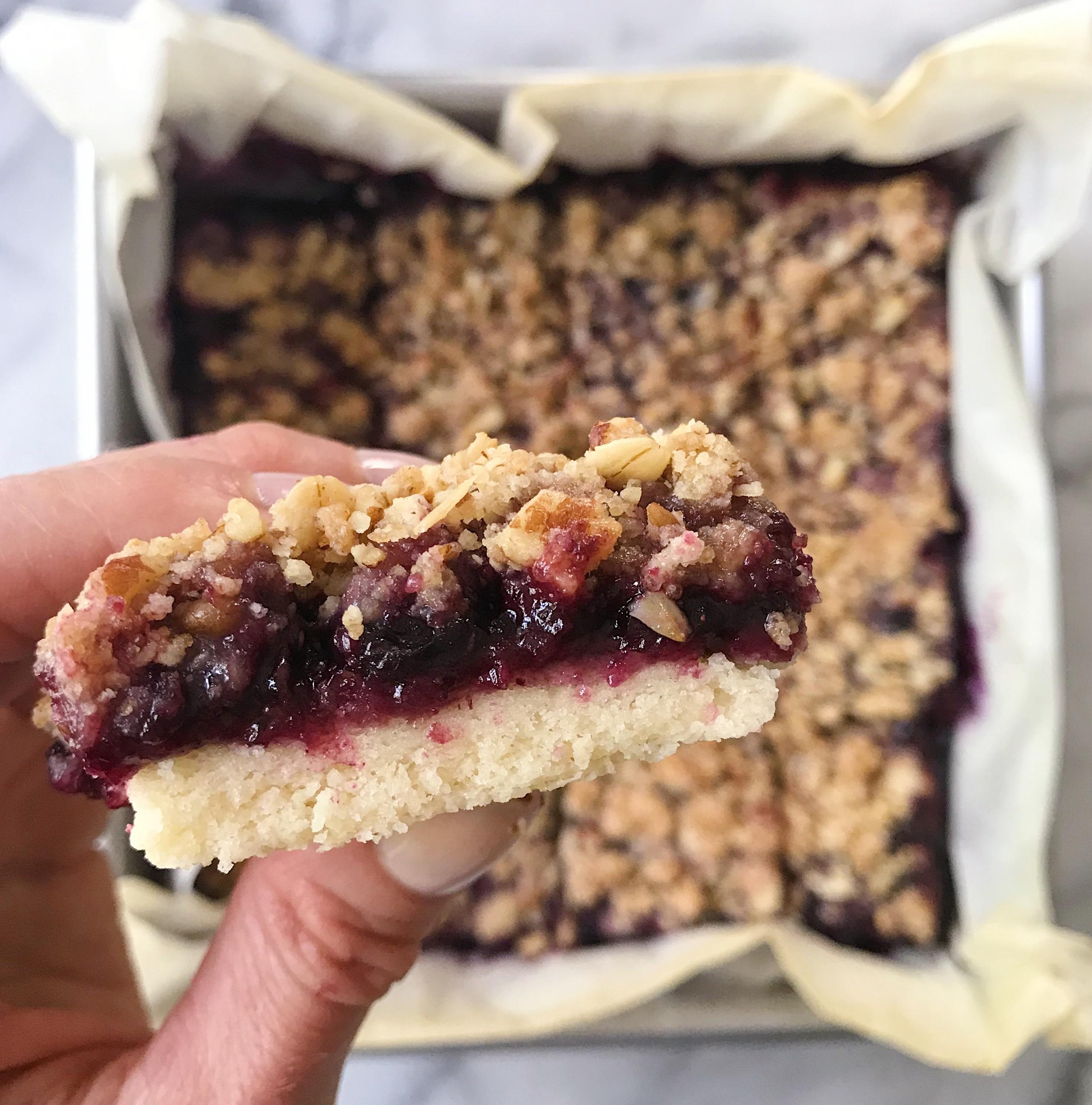 Blueberry Crumble Bars gluten free #glutenfreerecipes www.healthygffamily.com