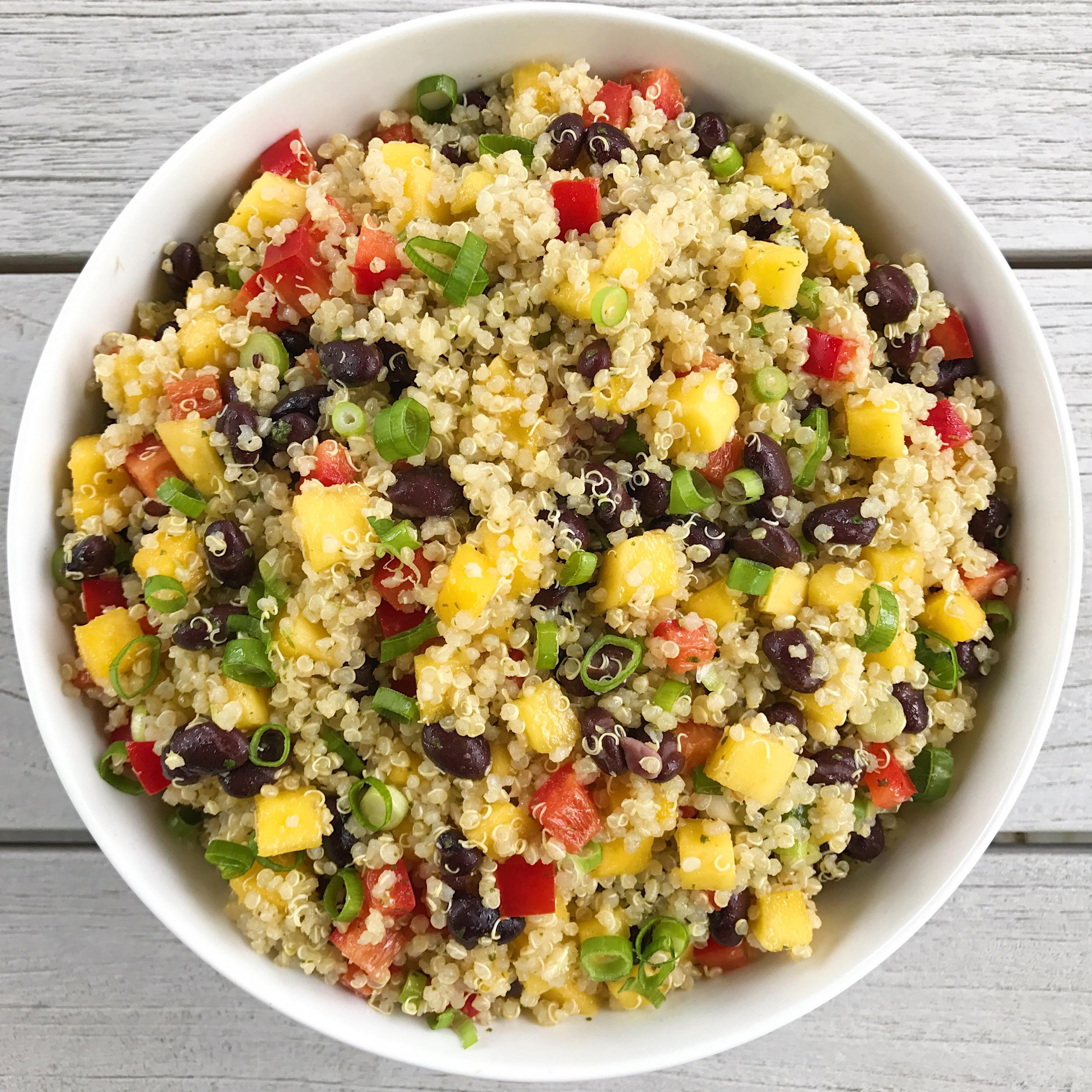 mango black bean quinoa salad gluten free #glutenfreerecipes www.healthygffamily.com