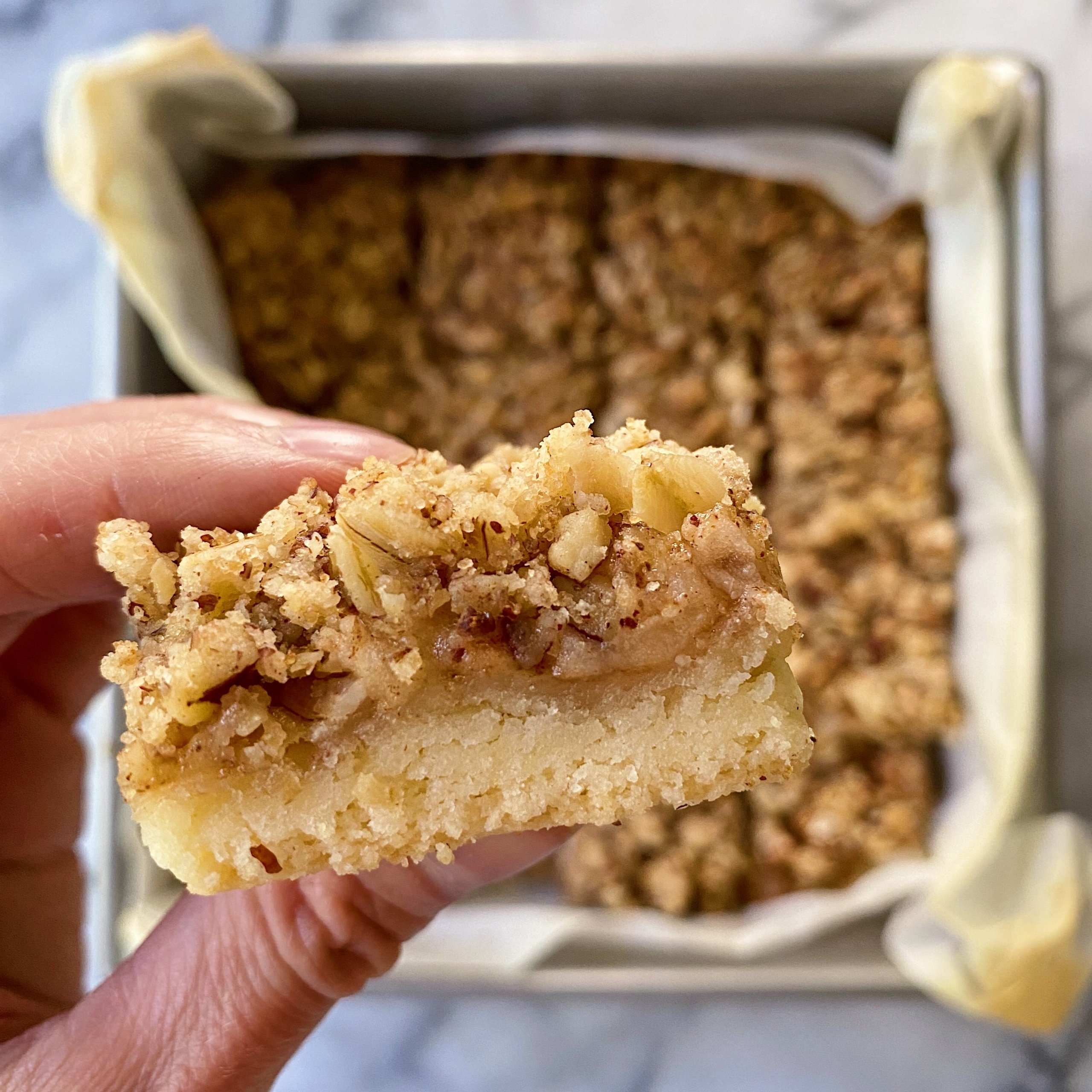 Apple Crumble Bars gluten free vegan #glutenfreerecipes www.healthygffamily.com