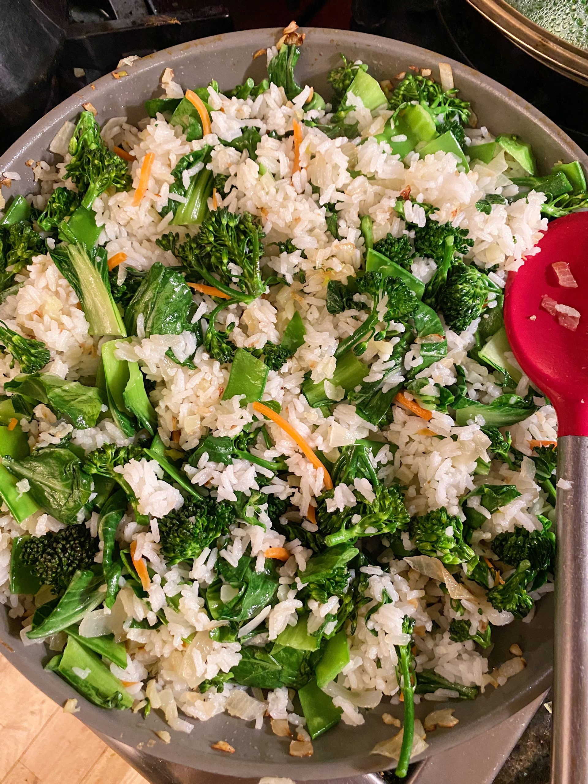 gluten free vegetable fried rice #glutenfree #glutenfreerecipes www.healthygffamily.com