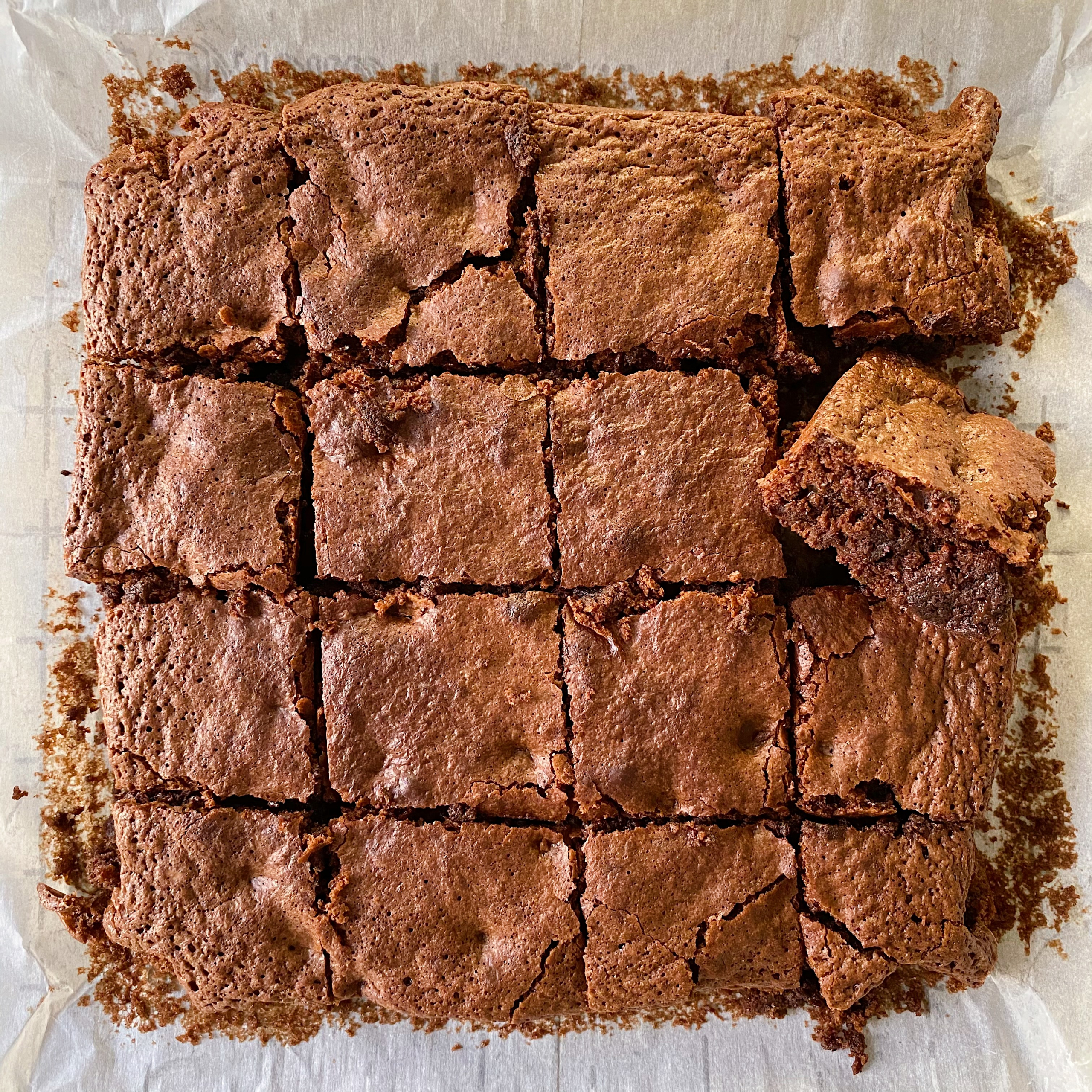 Fudgy Chocolate Brownies gluten-free #glutenfreerecipes www.healthygffamily.com