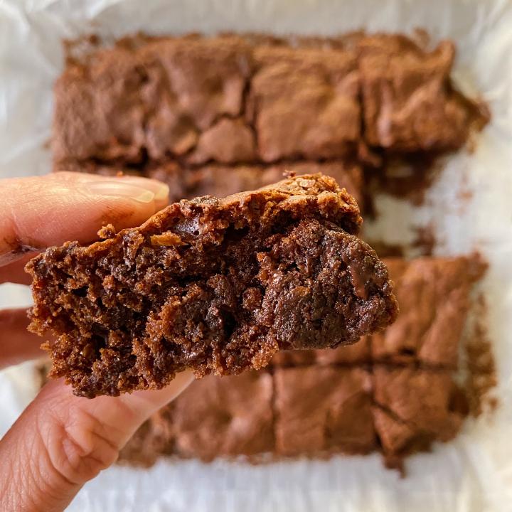 Fudgy Chocolate Brownies gluten-free #glutenfreerecipes www.healthygffamily.com