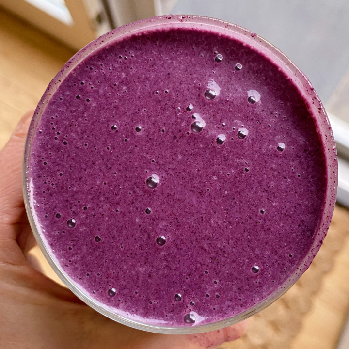 Blueberry Banana Smoothie gluten free easy #glutenfreerecipes www.healthygfamily.com