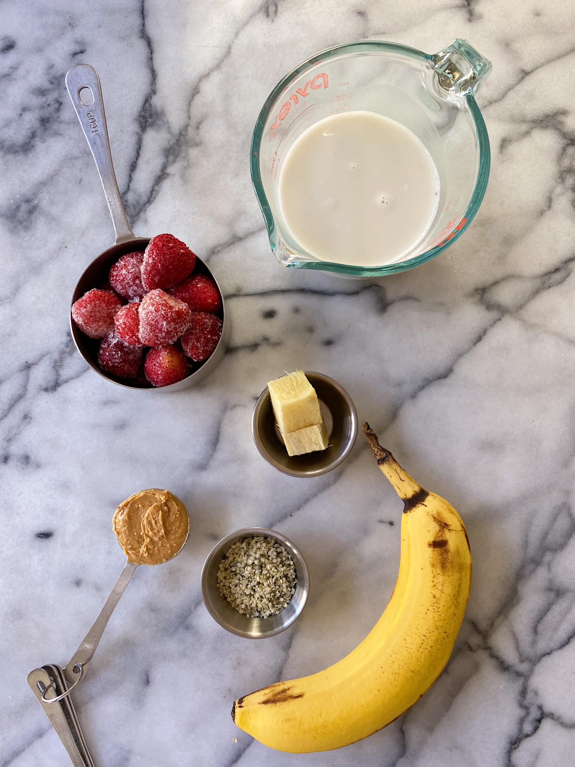 Blueberry Banana Smoothie gluten free easy #glutenfreerecipes www.healthygfamily.com