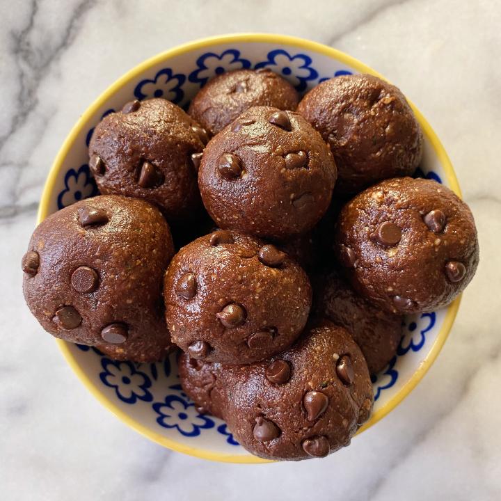 No Bake Brownie Bites gluten free vegan #glutenfreerecipes www.healthygffamily.com