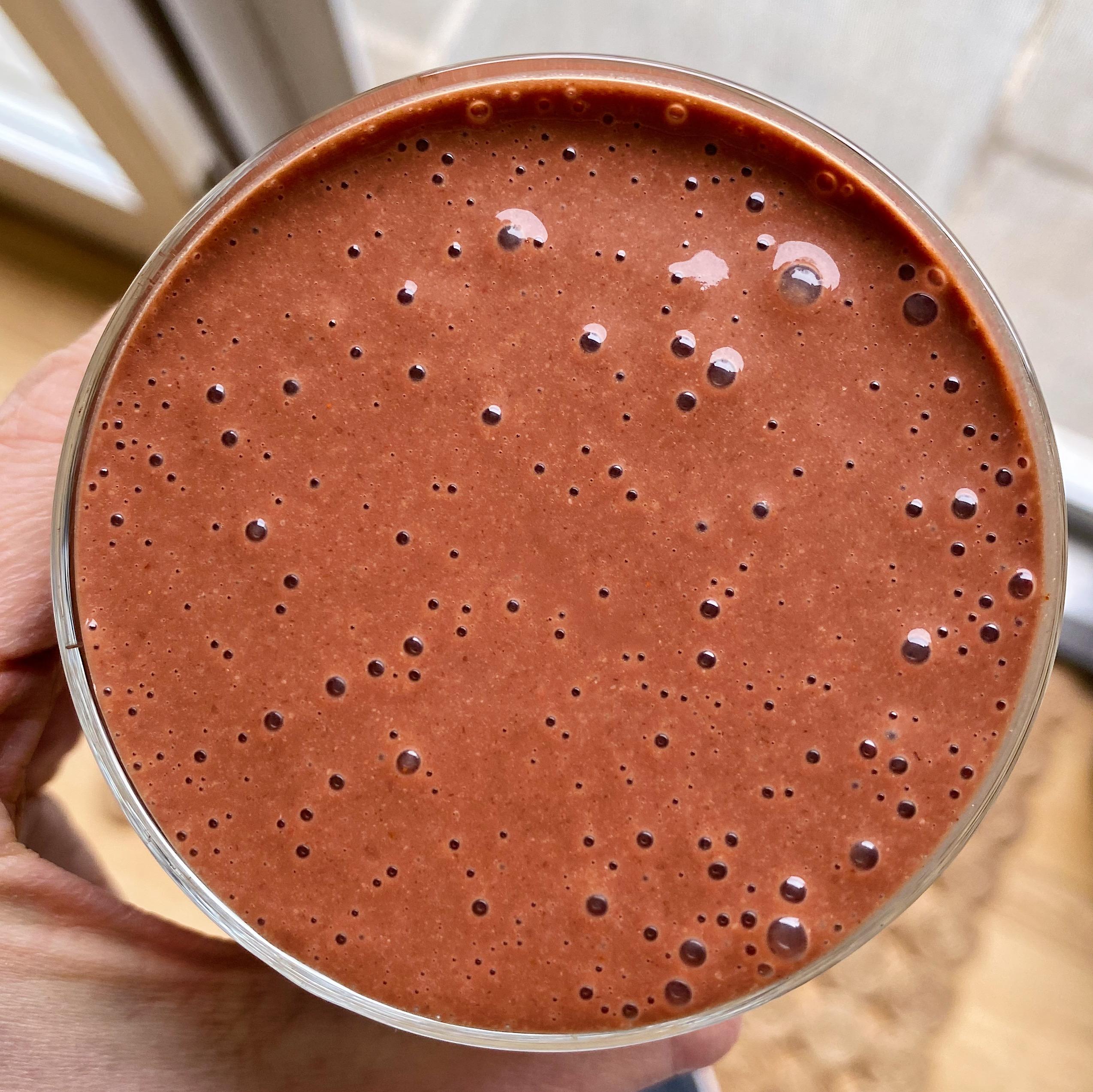 Chocolate Strawberry Smoothie gluten-free #glutenfreerecipes www.healthygffamily.com