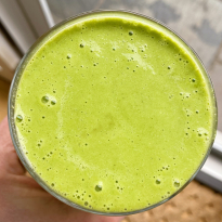 Simple Tropical green smoothie recipe gluten-free #glutenfreerecipes www.healthygffamily.com