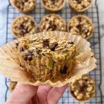 zucchini chocolate chip baked oatmeal cups gluten free www.healthygffamily.com